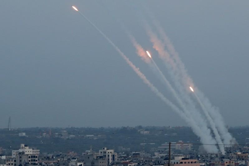 ارتفاع حصيلة القتلى في تصاعد القتال بين إسرائيل وغزة