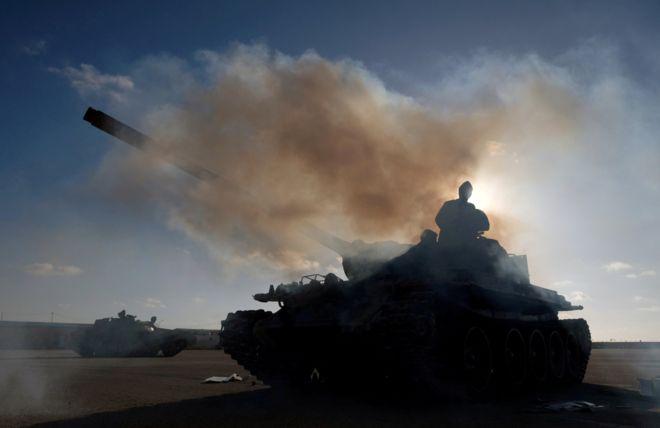 أزمة ليبيا: داعش تقول إنها هاجمت مخيم حفتر
