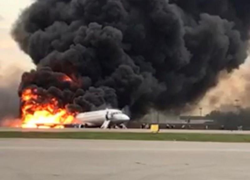تحطم طائرة روسيه ومقتل 13 شخص علي الاقل