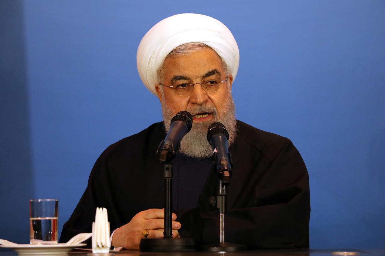 روحاني يجب على إيران مقاومة العقوبات الأمريكية من خلال صادرات النفط غير النفطية